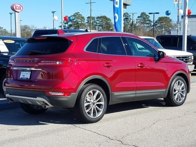 New 2019 Lincoln MKC Select FWD